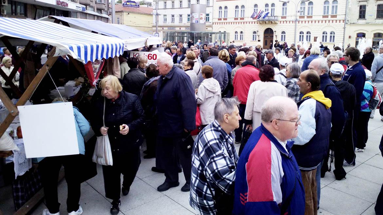 Dan umirovljenika 01.10.2015. Osijek galerija